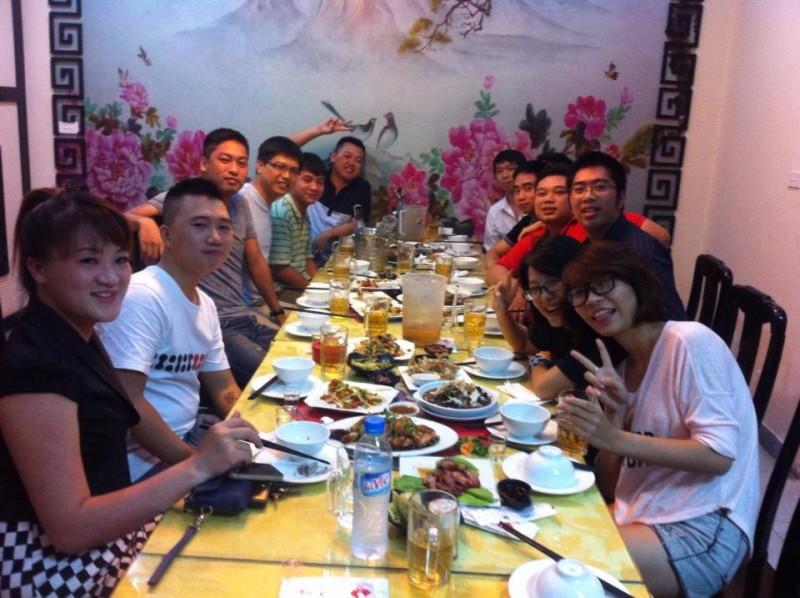Họp lớp 12E THPT Nguyễn Trãi kỷ niệm 9 năm