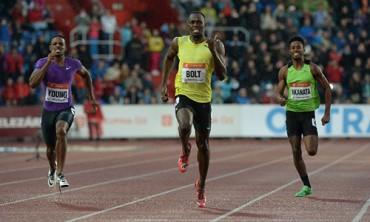 Usain Bolt thắng cuộc đua đầu tiên trong năm 2015