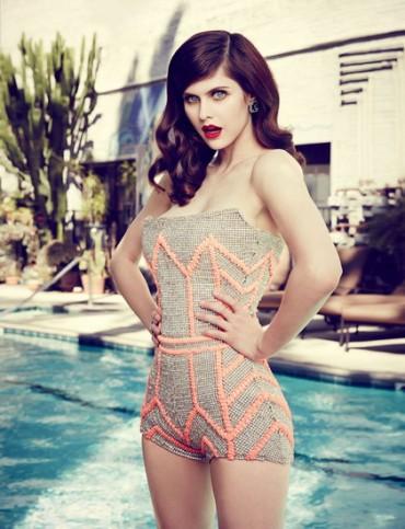 Biểu tượng gợi cảm mới của Hollywood: Alexandra Daddario