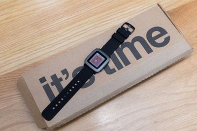 Trên tay đồng hồ Pebble Time phiên bản KickStarter