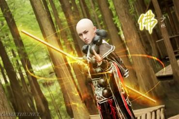 Cosplay hòa thượng Thiếu Lâm hút hồn fan nữ