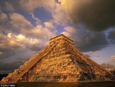 Hố thiêng 1.000 tuổi được phát hiện ngay dưới ngôi đền của người Maya