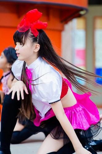 Nữ sinh lớp 6 Nhật Bản có thân hình gợi cảm như thiếu nữ