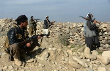 Dân quân Afghanistan chặt đầu 4 phần tử IS
