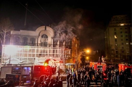 Khủng hoảng ngoại giao Iran-Ả Rập Saudi bùng phát sau vụ Đại sứ quán Saudi bị người biểu tình Iran đốt phá