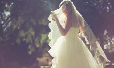 Ngất trong hôn lễ khi biết chồng có con riêng