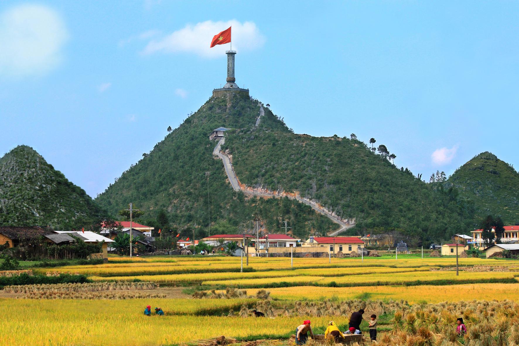 Cột cờ Lũng Cú - GSV Travel